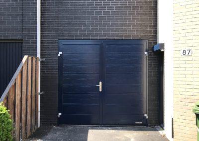 Openslaande garagedeur M-profilering