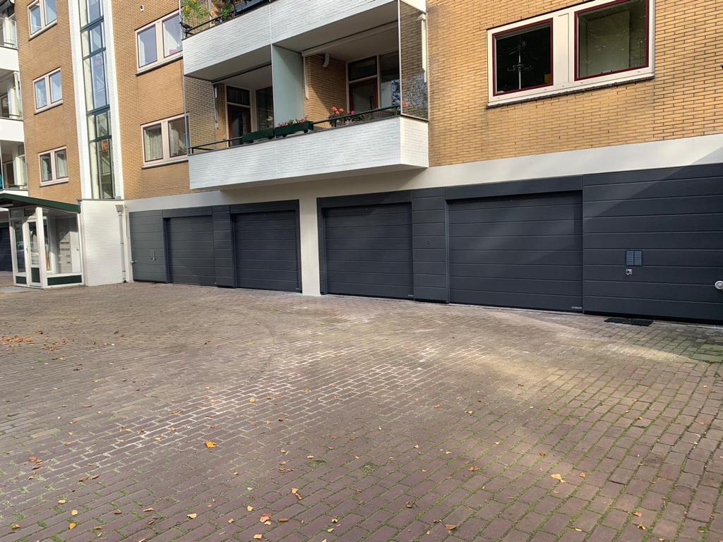 garagedeuren met panelen in Hilversum