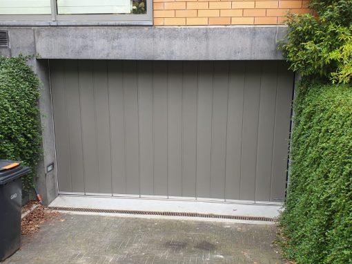 Horizontale garagedeur in Hilversum