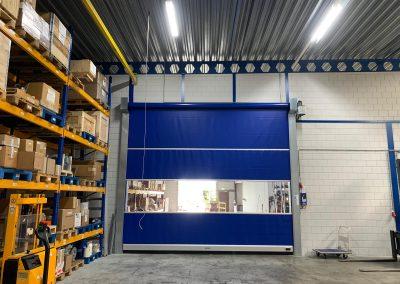 Blauwe snelloopdeur